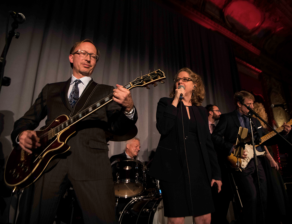 The Checkpoints perform at the 2018 CRI Awards Gala