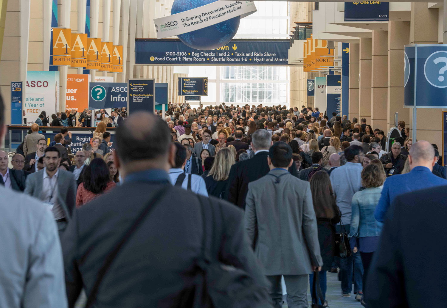 People heading towards sessions at ASCO 2018